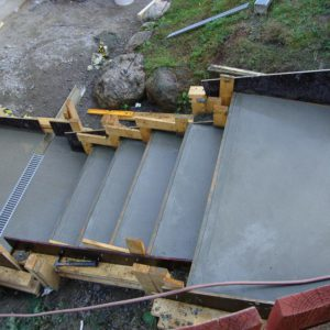 Gjuten trappa